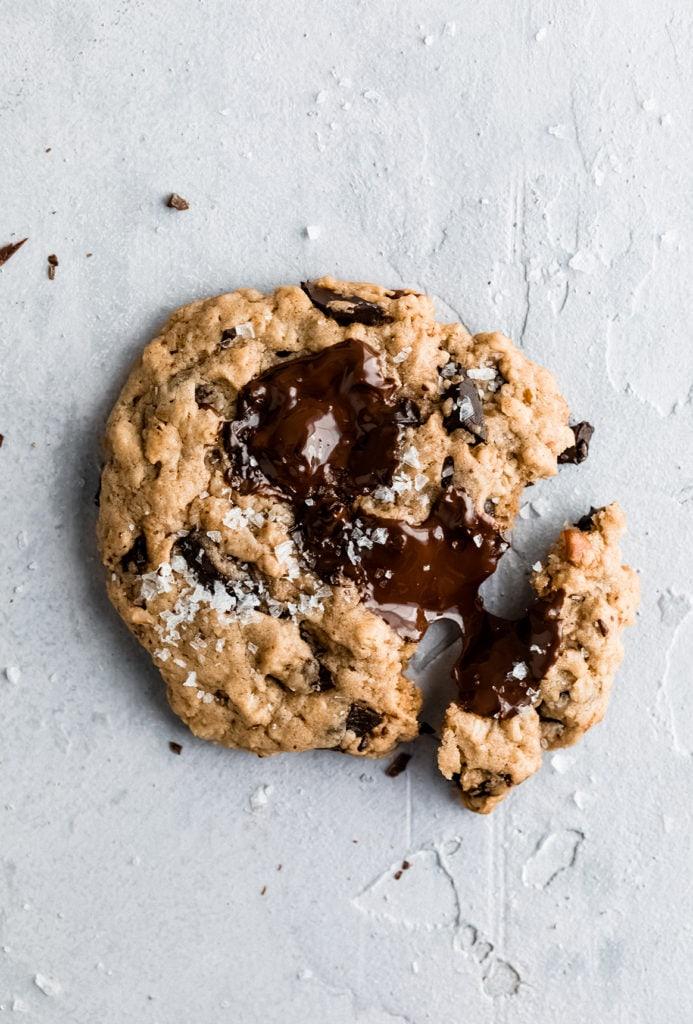 tahini oatmeal chocolate chunk cookies
