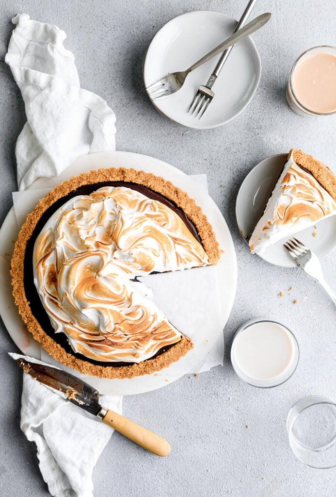 s'mores meringue pie