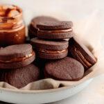 chocolate alfajores