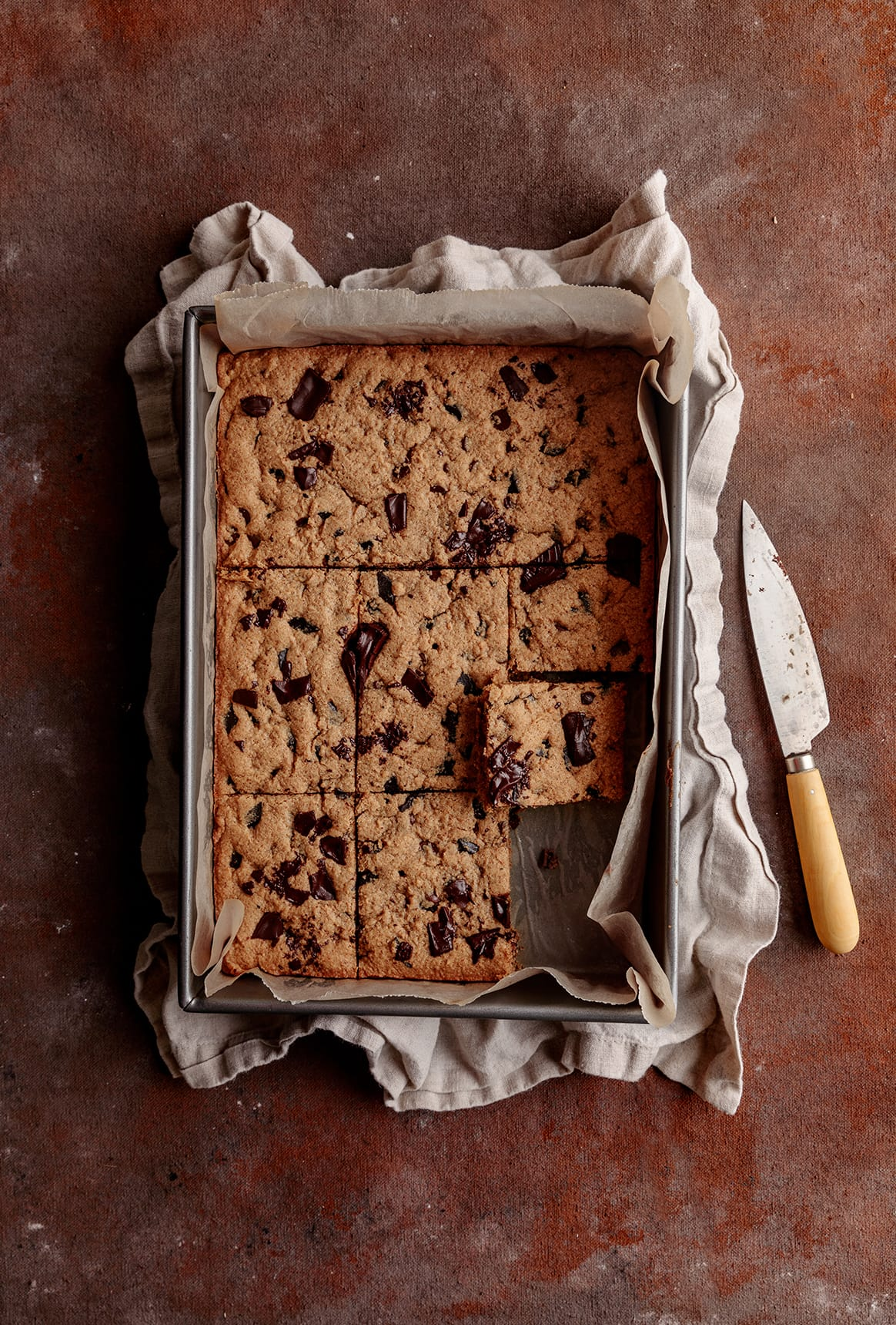 sliced almond butter Chocolate chip cookie bars